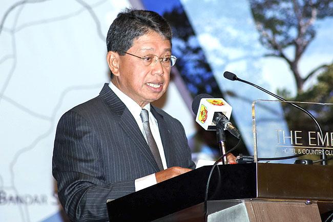 Minister of Industry and Primary Resources, Pehin Orang Kaya Seri Utama Dato Seri Setia Awang Haji Yahya bin Begawan Mudim Dato Paduka Haji Bakar at the event.